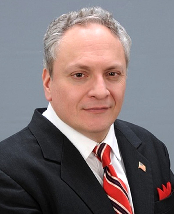 Lamont Colucci